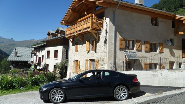 http://chrisandsusanbeesley.com/wp-content/uploads/2011/02/Chalet-car.jpg